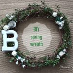 DIY spring wreath in green and white