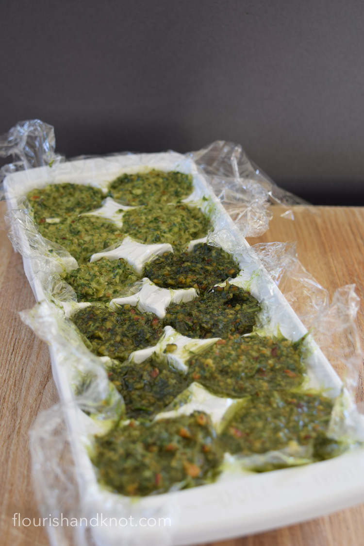 Pesto in tray