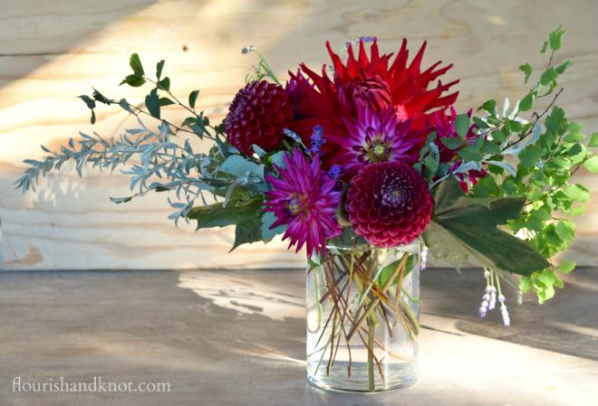 How to create a loose harvest floral arrangement | flourishandknot.com