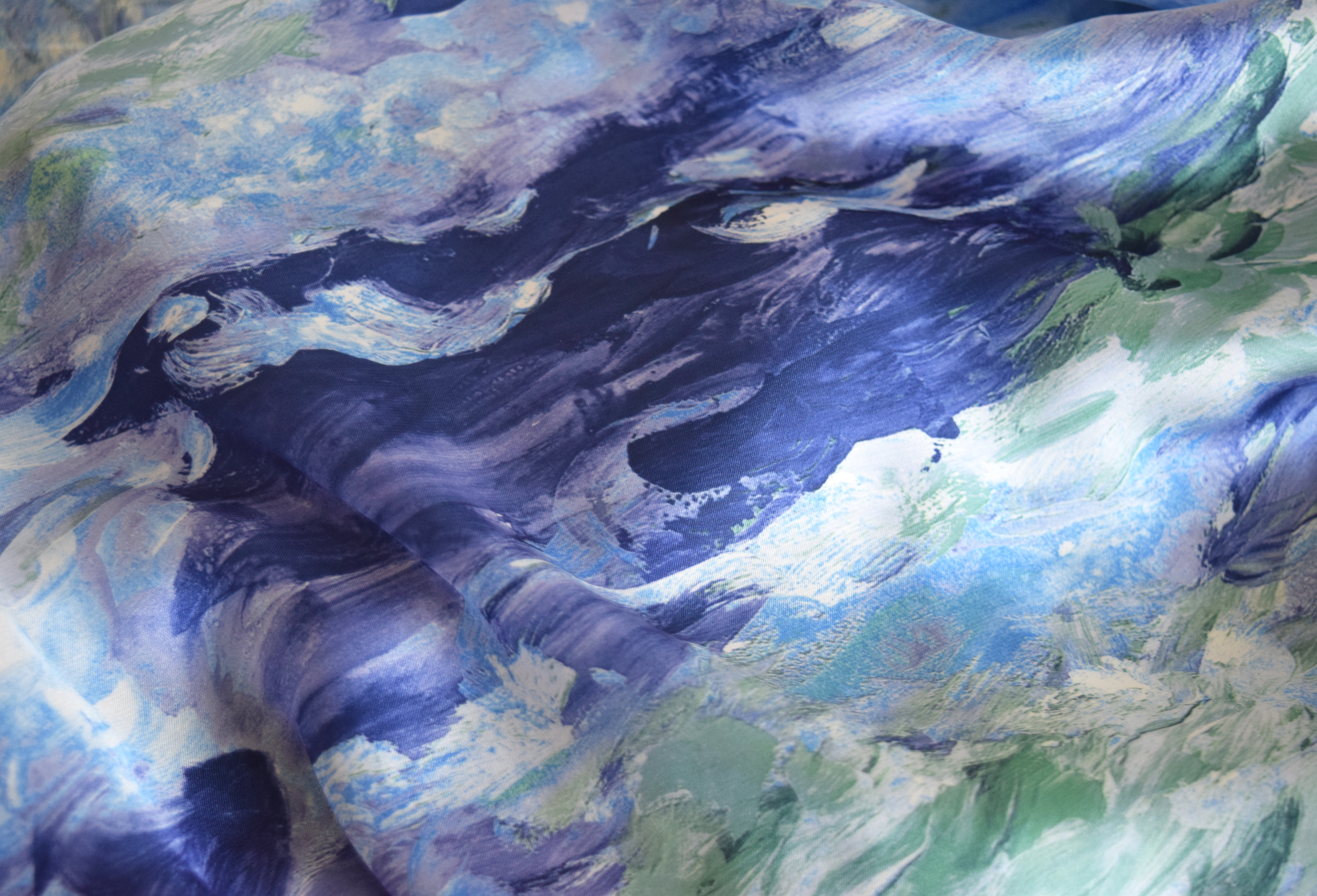 Monet-inspired fabric | DIY Infinity Nursing Scarf | flourishandknot.com