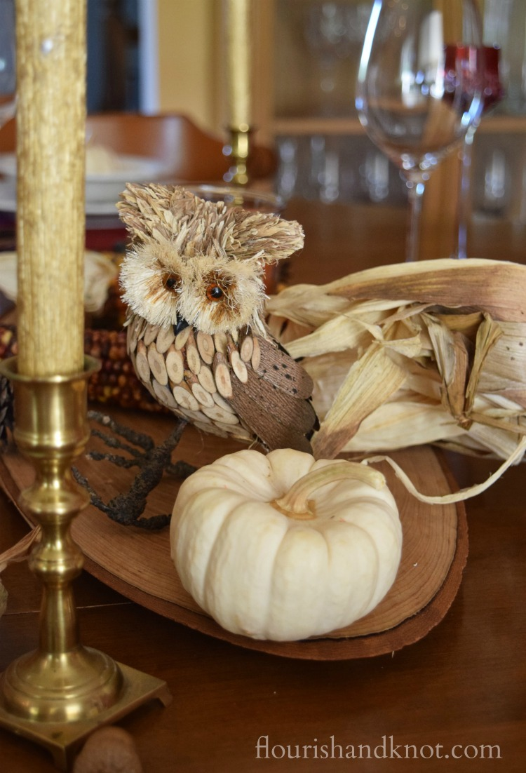 A rustic, whimsical & elegant autumn tablescape | Autumn Tablescape Hop | flourishandknot.com