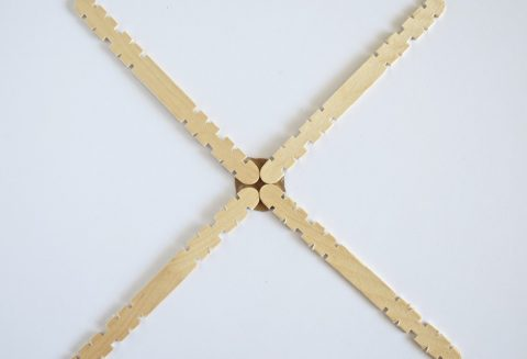 10-Minute Scandinavian Snowflakes | Popsicle Stick Christmas Craft | flourishandknot.com
