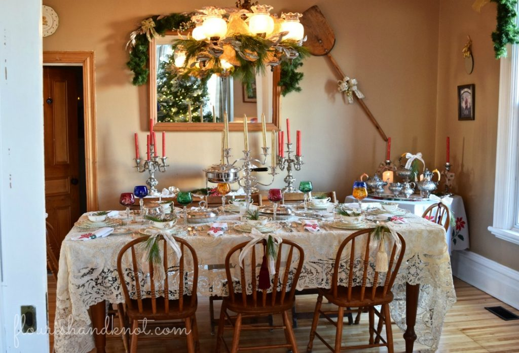 Shining Formal Holiday Table Glamorous & Glitzy Christmas Decor | 3 Inspiring Ways to Decorate for Christmas