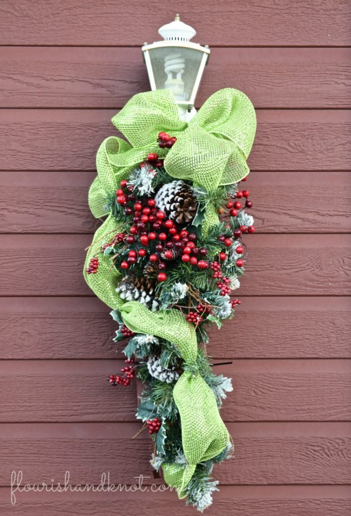 Green and red Christmas swag | Traditional & Classic Christmas Decor | 3 Inspiring Ways to Decorate for Christmas