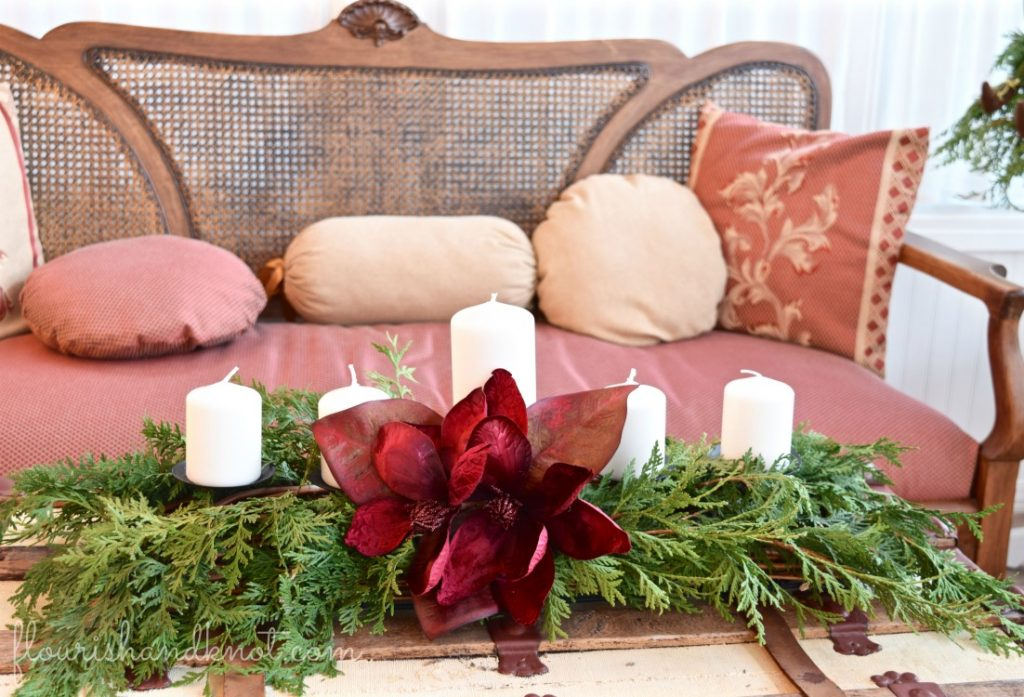 Elegant and classic greenery centrepiece | Traditional & Classic Christmas Decor | 3 Inspiring Ways to Decorate for Christmas