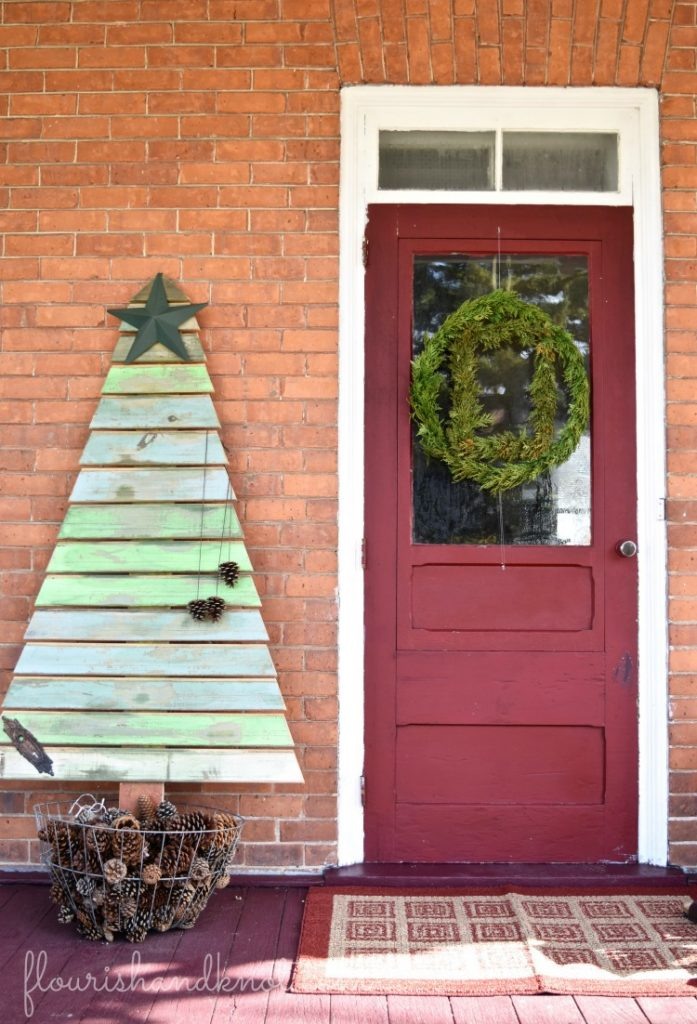 Pallet Christmas tree | Rustic Farmhouse Christmas Decor | 3 Inspiring Ways to Decorate for Christmas