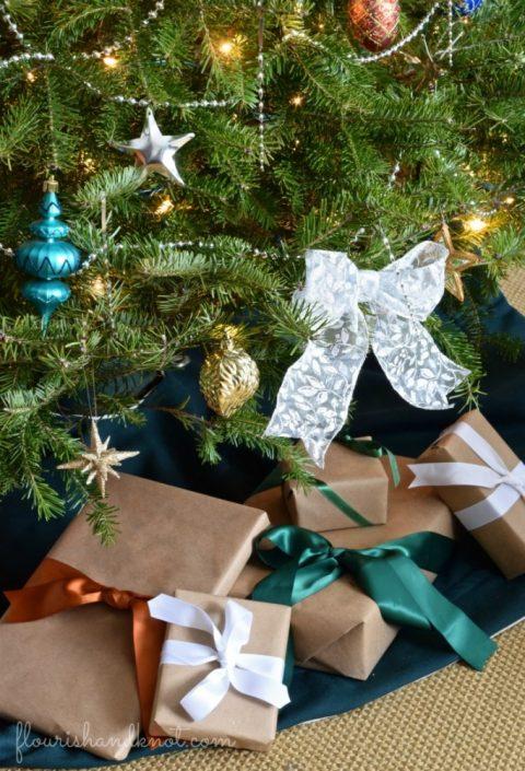 2016 Christmas Home Tour | Simply Seasonal Holiday Edition | flourishandknot.com