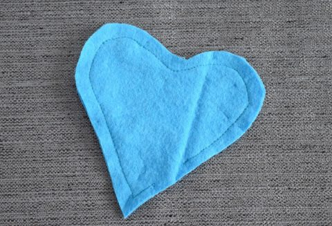 "Easy to sew ""warm heart"" DIY hand warmers 