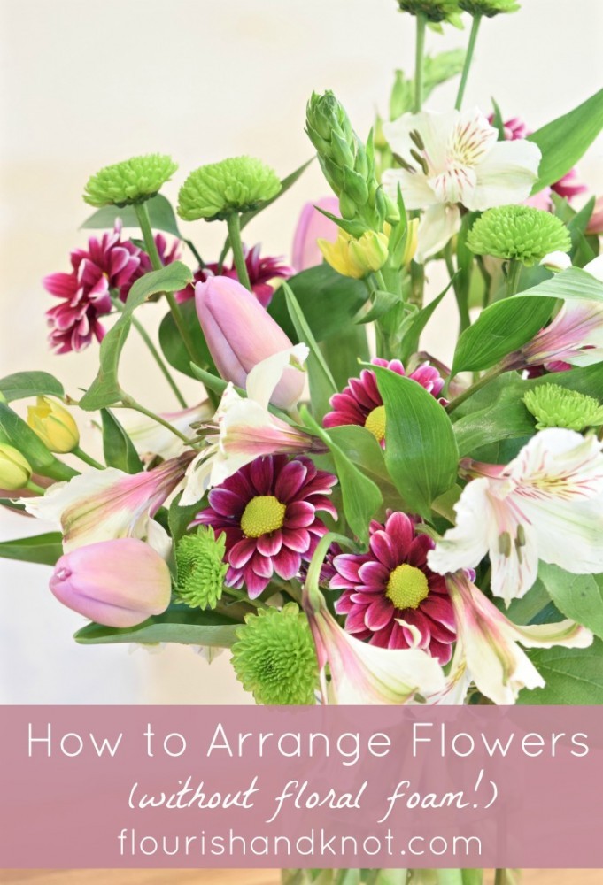 DIY flowers | Spring floral arrangement | How to arrange flowers in a vase (without floral foam!) | DIY flowers in purple and green