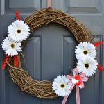 Canada Day Crafts | DIY Canada Day Wreath in Red and White | There for the Making | The Zero-Dollar DIY Challenge