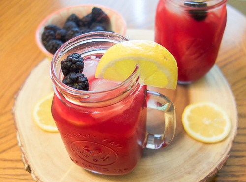 Homemade Blackberry Lemonade Recipe | Spectacular Summer Blog Hop #6