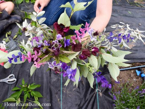 How to make a hand-tied bouquet | Wild Bouquet | Les Jardins de Frieda Bella | Flourish & Knot