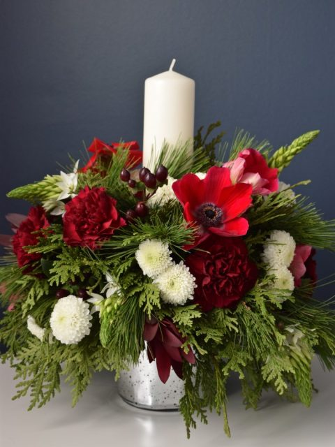 Christmas Centrepiece in Burgundy, Red, and White