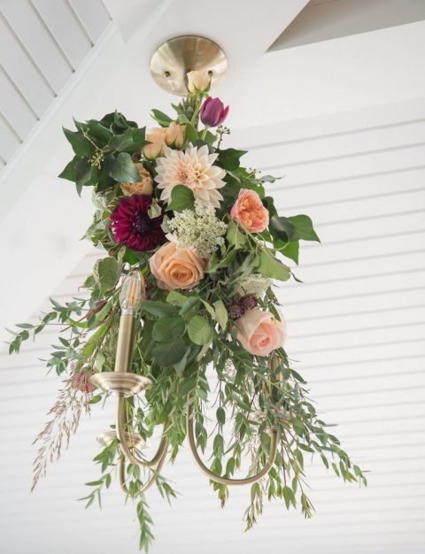 Floral Chandelier | Fall Wedding Montreal | Fall Wedding Inspiration | Auberge Willow Inn Wedding | Flourish & Knot | Dahlia Centerpiece | Floral Installation | Purple and Coral Wedding