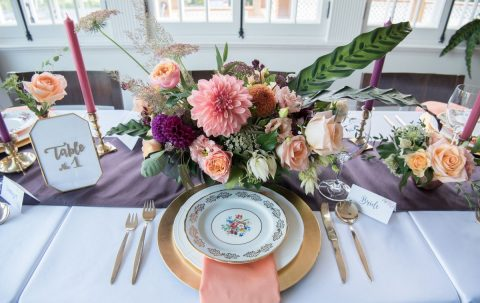 Purple, peach, and coral wedding centerpiece with dahlias | Fall Wedding Montreal | Fall Wedding Inspiration | Auberge Willow Inn Wedding | Flourish & Knot | Dahlia Centerpiece | Floral Installation | Purple and Coral Wedding