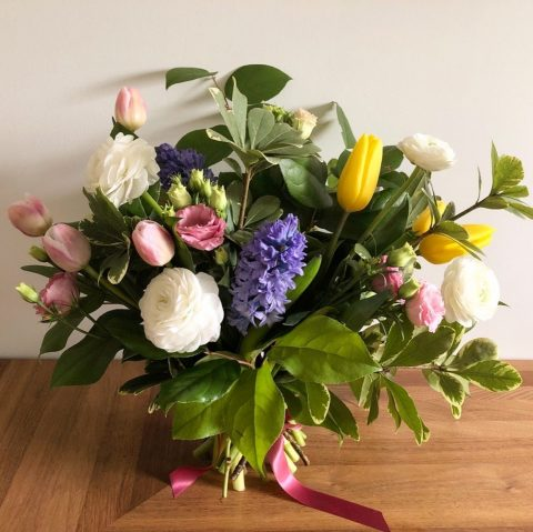"Mother's Day bouquet delivery Montreal | ""Abundant"" bouquet by Flourish & Knot"