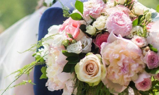 Classic Pink + White Wedding | Hotel Mont Gabriel Wedding
