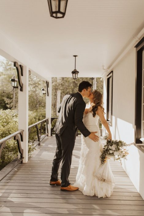 Bride and Groom at Auberge Willow Inn in Hudson, Quebec | Auberge Willow Inn Wedding | Montreal wedding florist Flourish & Knot | Photo by Kerstin Hahn Photography